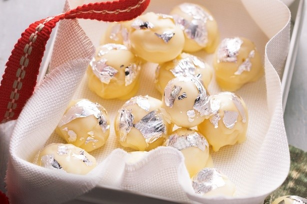 Christmas Cooking #1 – White Chocolate Truffles